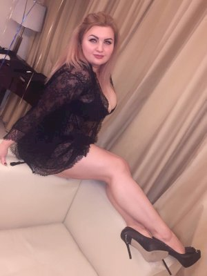 אירנה נערות ליווי